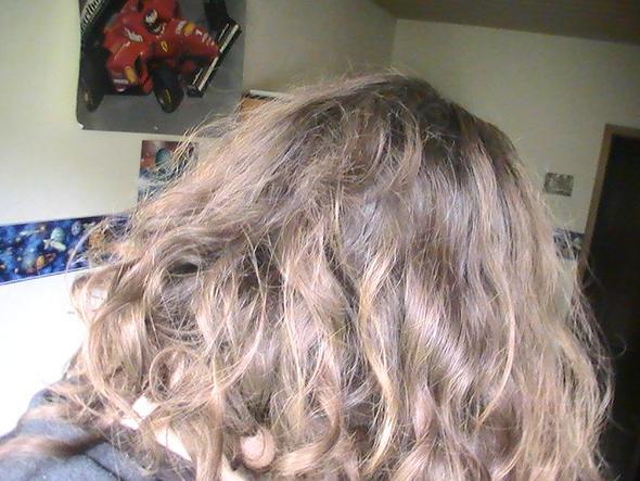 Bild 2 - (Frisur, Friseur, Haarfarbe)