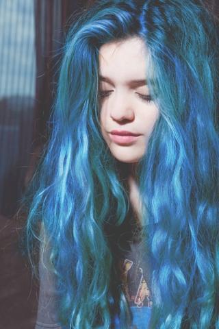 Welche Haarfarbe Ist Das Von Directions Blau Hair
