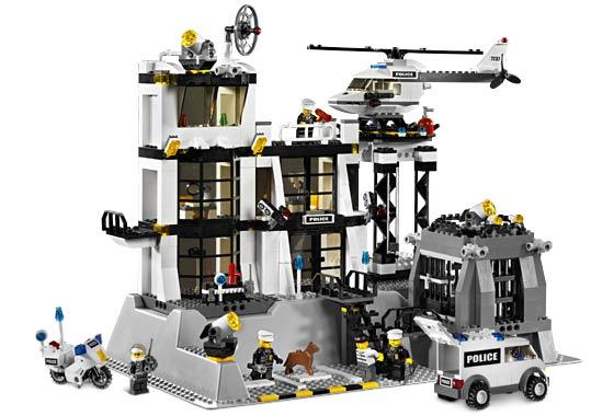 welche lego city polizeistation ist die beste freizeit. Black Bedroom Furniture Sets. Home Design Ideas