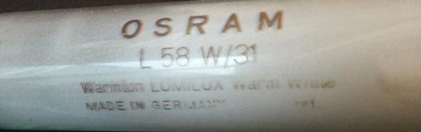 Hier die alte Leuchtstofflampe - (leuchtstoffroehre, Leuchstofflampe)