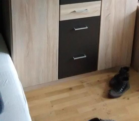welche m belfarbe passt zu diesem hellen parkett einrichtung inneneinrichtung bodenfarbe. Black Bedroom Furniture Sets. Home Design Ideas