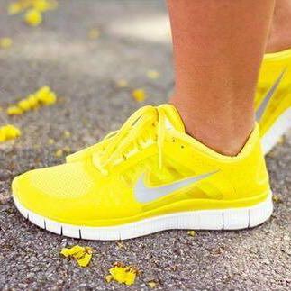 Das Nike Modell, jezt abgesehen von der Farbe 🤗 - (Schuhe, Nike)
