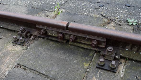 Welche Schienenstöße sind hier zu sehen - Schwebender Schienenstoß (Normale Lasche)?