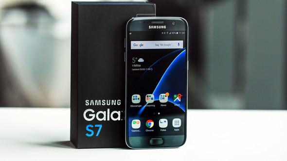 da wo Galaxy steht, nicht das mit samsung;) - (Samsung, Schriftart)