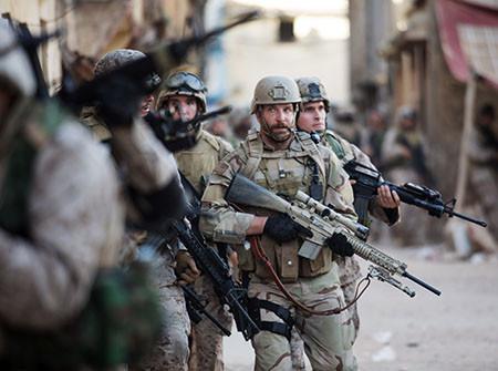 Welche Waffen Hatte Im Film American Sniper Chris Kyle Filme Und