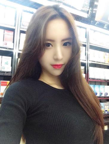 Welche weiblichen Schönheitsideale findet ihr schöner: Die asiatischen oder die amerikanischen?