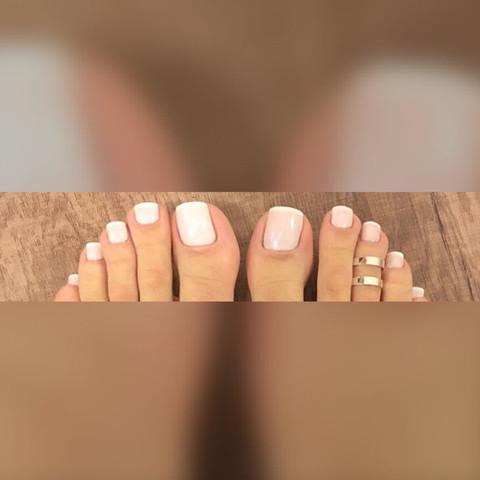 Meine Zehen im natürlichen Look, gerne trage ich die Farbe in Flip Flops  - (schuhwerk, Zehnagelfarbe)