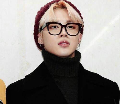 Welchen BTS member findet ihr mit Brille am hübschesten/cutesten?