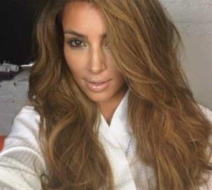 Kim Kardashian  - (Haarfarbe, blond)