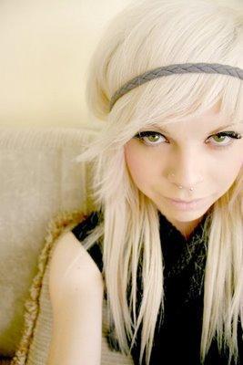 Bild 1 - (Haarfarbe, färben, blond)