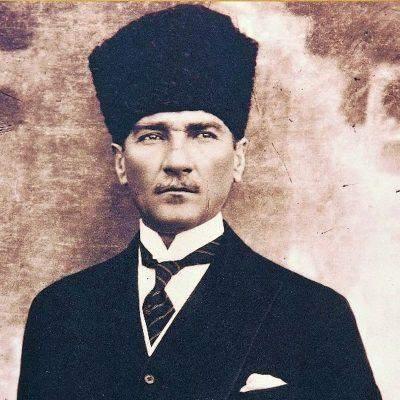 Welches Ansehen, welche  Stellung hat Mustafa Kemal Atatürk - der Begründer der Republik Türkei - heutzutage bei den Menschen in der heutigen Türkei?