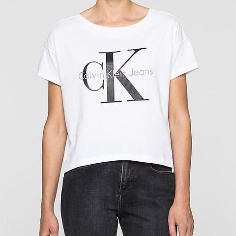 Weiße t-Shirts werden immer so schnell schmutzig aber das ist schön  - (Mode, Kleidung, Klamotten)