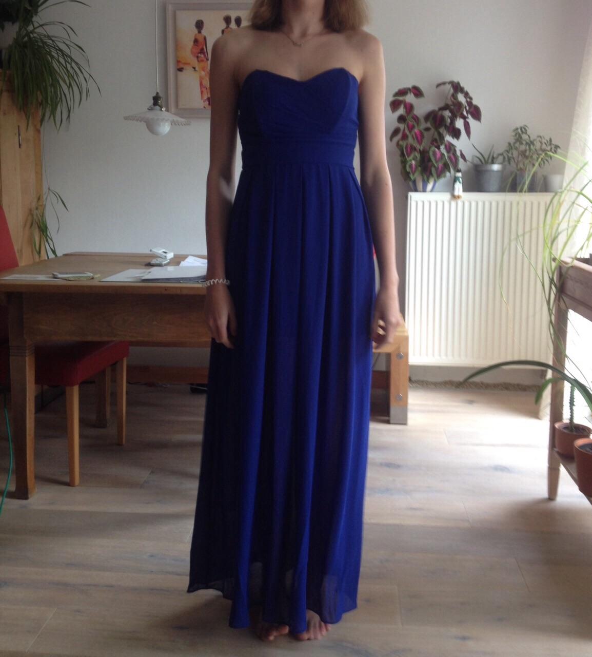 Welche schuhe zum blauen langen kleid
