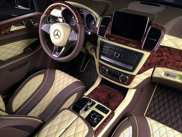 Interieur vom besagten GLE - (Auto, Holz, Mercedes Benz)