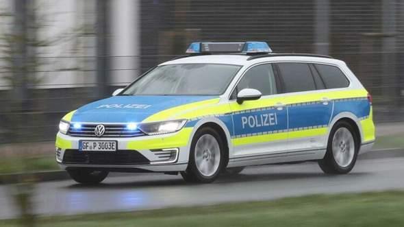 Welches Polizeiauto findet ihr optisch besser?