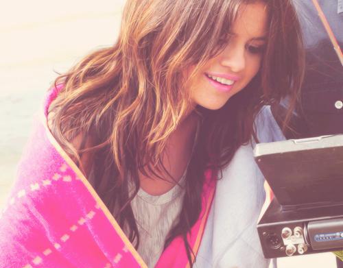 Wellige Haare Wie Selena Gomez Frisur
