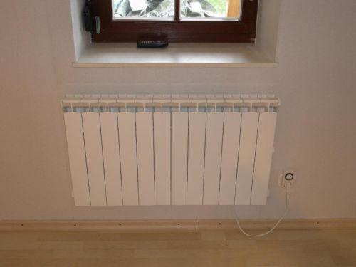 wer hat erfahrung mit elektro heizungskosten es ist keine nachtspeicher hzg elektroradiator. Black Bedroom Furniture Sets. Home Design Ideas