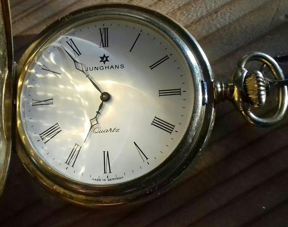 Erstandene Uhr - (Uhr, Modell, Taschenuhr)