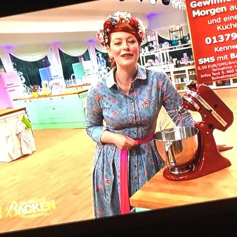Frau auf sat 1 - (Fernsehen, backen, Promis)