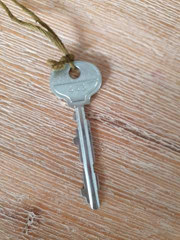 Wer kann mir sagen um was für einen Schlüssel es sich hier handelt?