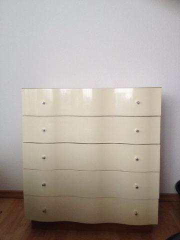 IKEA-Kommode Cremeweiß Hochglanz - (Möbel, IKEA)