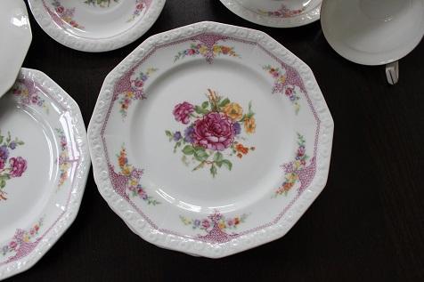 wer kennt den wert meines rosenthal maria porzellan services wie hei t das dekor nach 1927. Black Bedroom Furniture Sets. Home Design Ideas