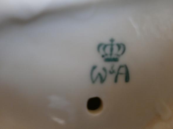 W&A mit Krone - (Haushalt, Zahlen, Zeichen)