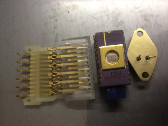 Wer kennt diese Elektronik Bauteile, sind die aus Gold oder lediglich vergoldet?