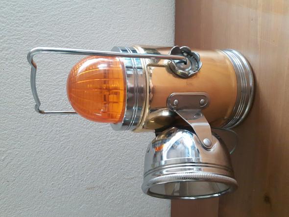 - (Lampe, taschenlampe, baustellenlampe)