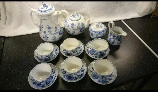 Wer kennt sich mit Meißner Porzellan aus?