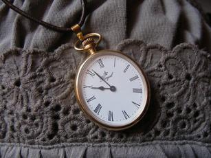 Wer weiß etwas über Royal-Taschenuhren?