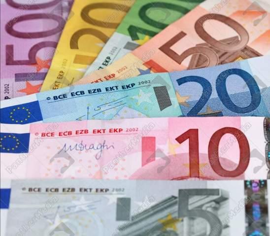 - (Geld, Politik, Deutsch)