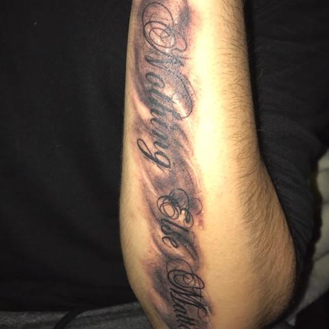 tattoo unterarm schattierung