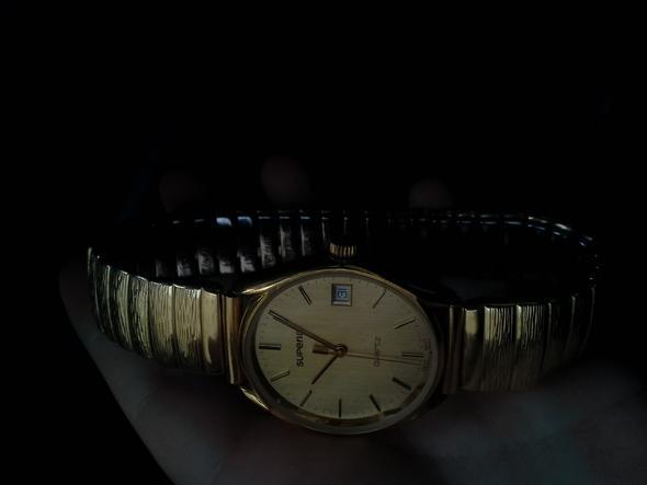 die uhr. leider ein wenig dunkel - (Uhr, Gold)