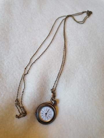 Wie alt ist diese Taschenuhr?