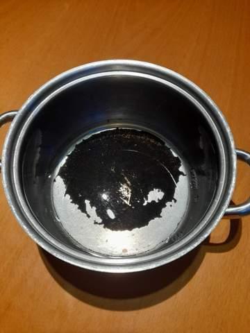 Wie angebrannten Topf reinigen?