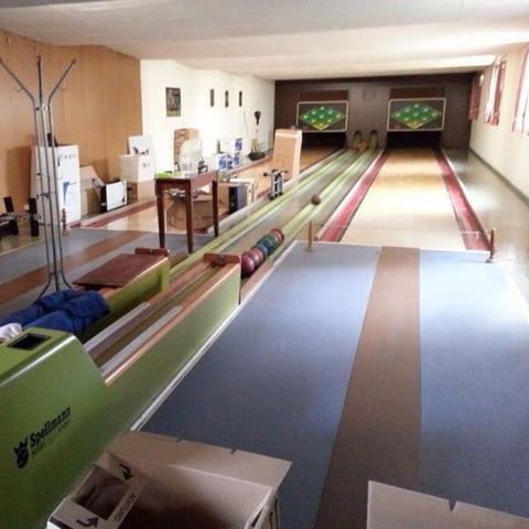 wie baut man eine kegelbahn ab bowling abbauen. Black Bedroom Furniture Sets. Home Design Ideas