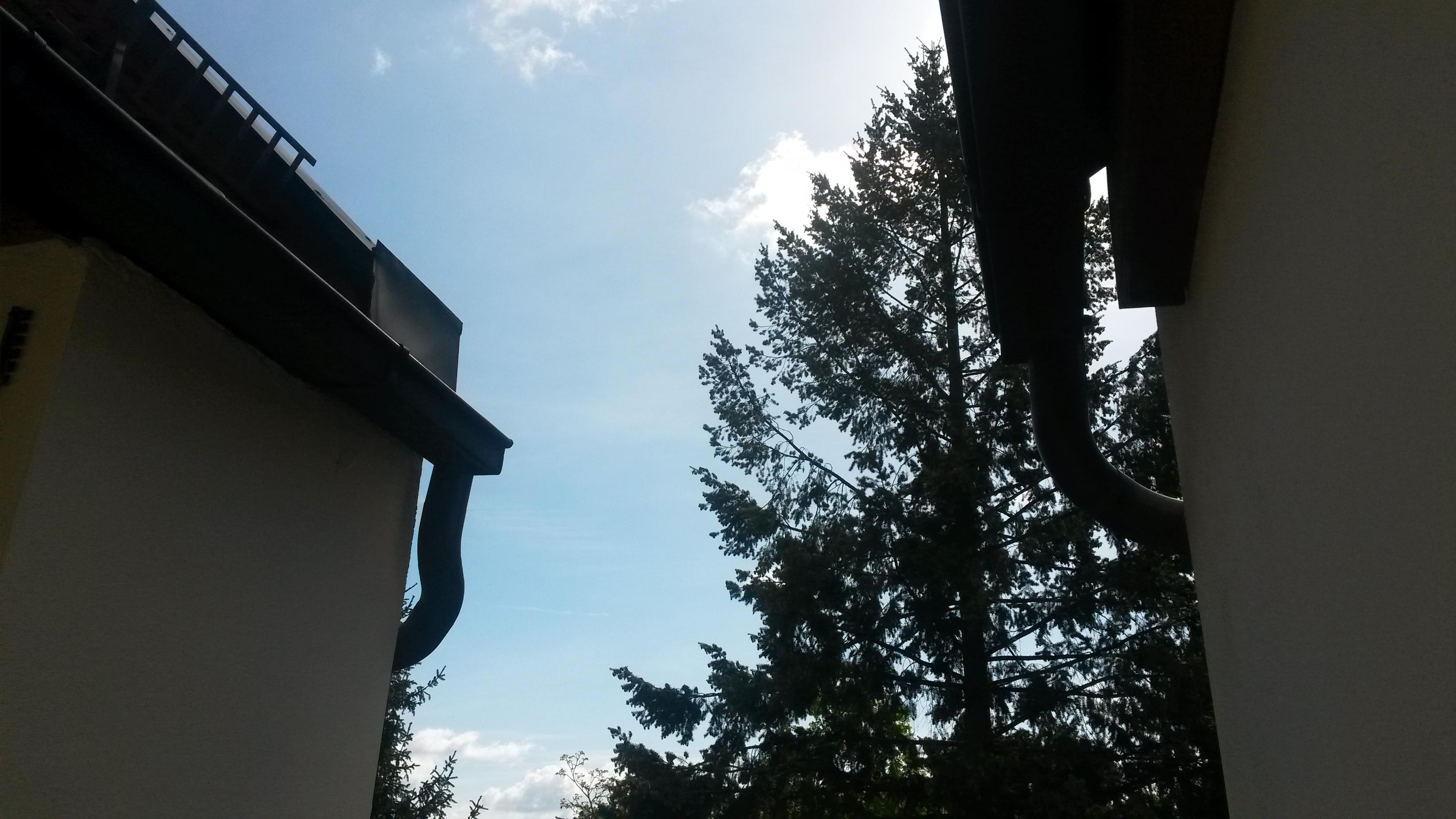 Wie Befestige Ich Eine Plane Als Balkonuberdachung An Den Dachrinnen