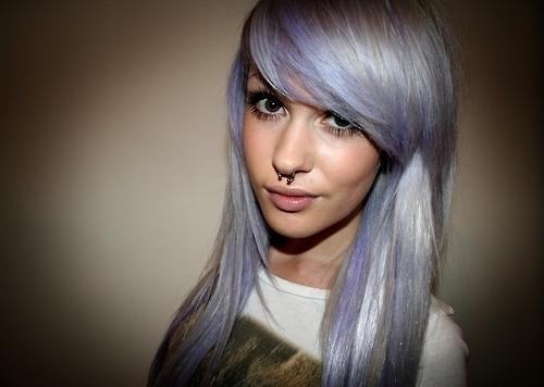 Blondierte haare silber farben