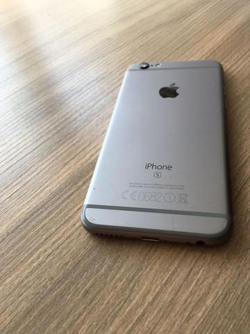 schwarze Flecken  - (Handy, iPhone, Apple)