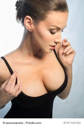 Brüste frauen große Große Brüste: