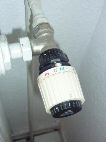 wie bekomm ich meinen alten danfoss thermostat von der heizung ab. Black Bedroom Furniture Sets. Home Design Ideas
