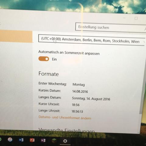 """Mein Laptop( kein """"Knopf ändern unter der Option Automatisch an Sommerzeit.... - (Windows 10, Einstellungen, Datum und Uhrzeit)"""