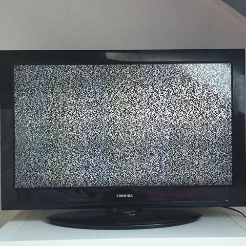 Wie bekomme ich den Fernseher zum laufen?