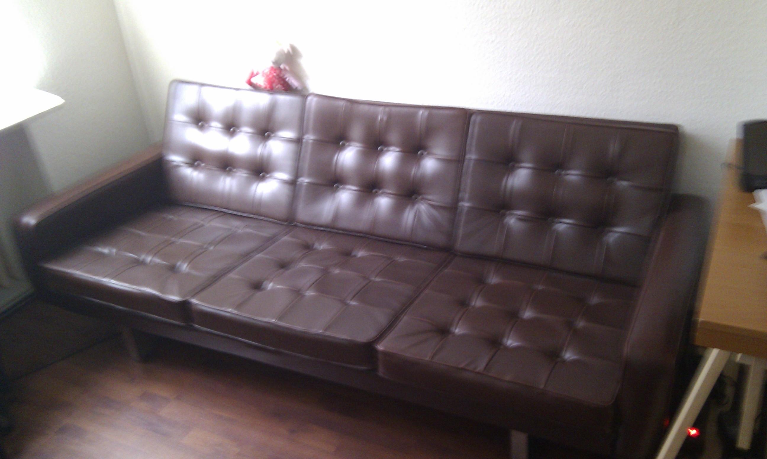 wie bekomme ich den geruch aus dieser couch und was w rde es kosten es von einem pflege. Black Bedroom Furniture Sets. Home Design Ideas