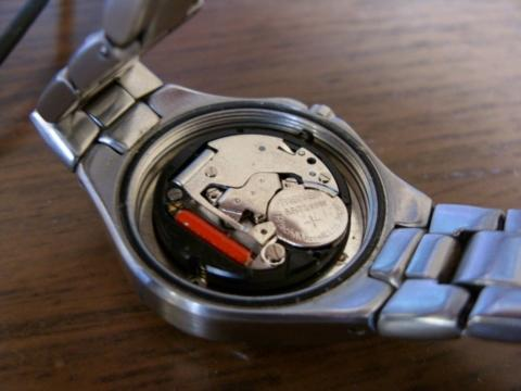 - (Uhr, Fossil, Batteriewechsel)