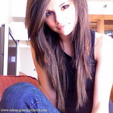 Wie Bekomme Ich Diese Frisur Hin Selena Gomez Haarfarbe Stars