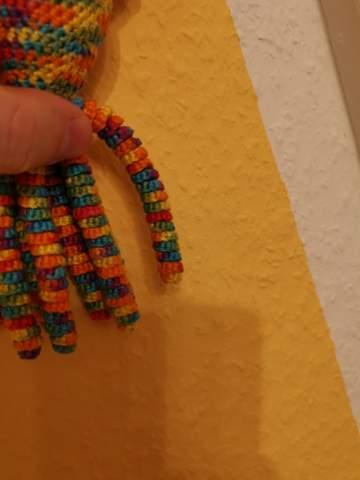Wie bekomme ich eng anliegende Tentakel mit einer dicken elastischen Wolle hin?