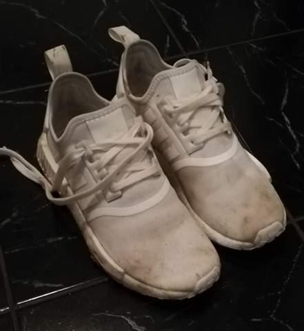 Wie bekomme ich meine Adidas NMD sauber?