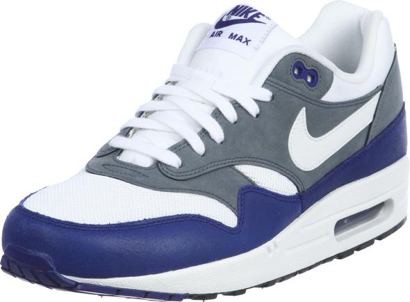 wie bekomme ich meine air max one wieder sauber schuhe. Black Bedroom Furniture Sets. Home Design Ideas